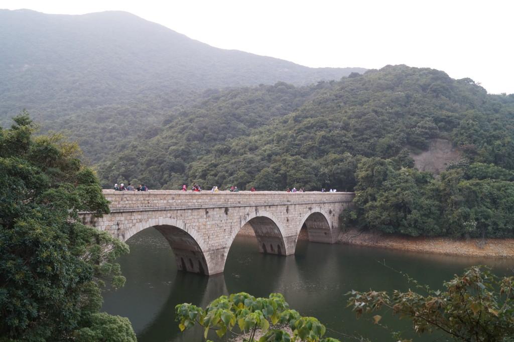 大潭水塘石橋