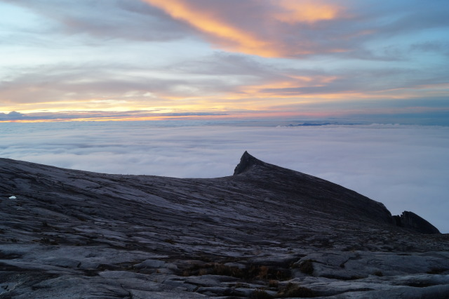 沙巴 神山 mountain kinabalu south peak
