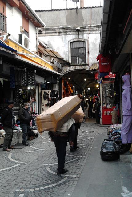 土耳其 伊斯坦堡 grand bazaar苦力