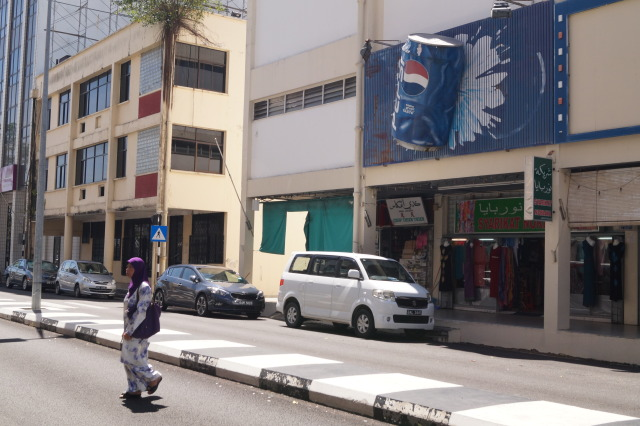 汶萊斯里巴加灣 巨型可樂