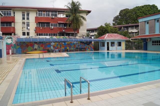 汶萊斯里巴加灣 pusat belia 泳池