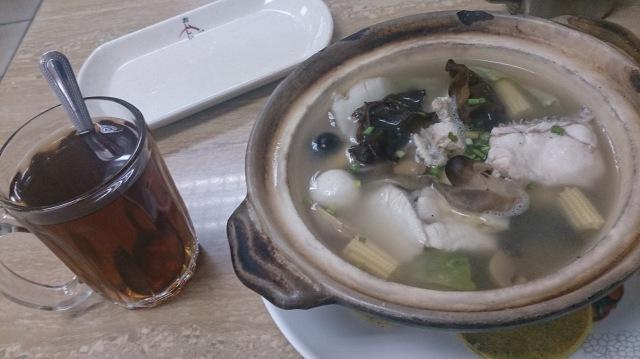 汶萊斯里巴加灣 魚麵鍋