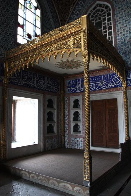 土耳其 伊斯坦堡 舊皇宮龍床