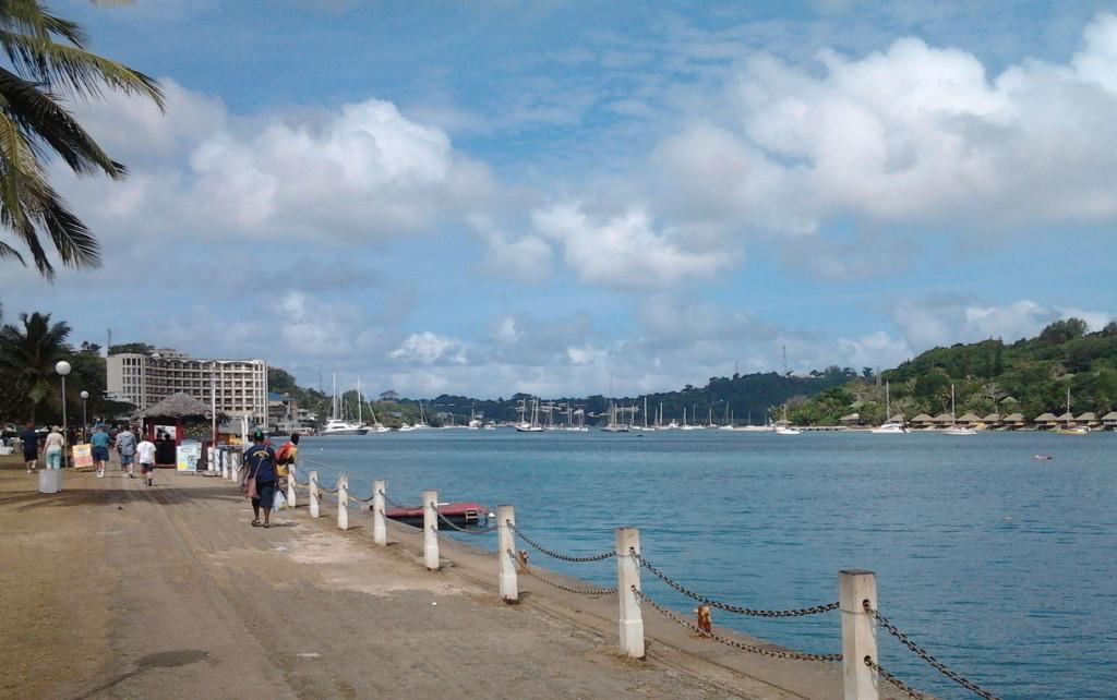 瓦努阿圖維拉港海傍