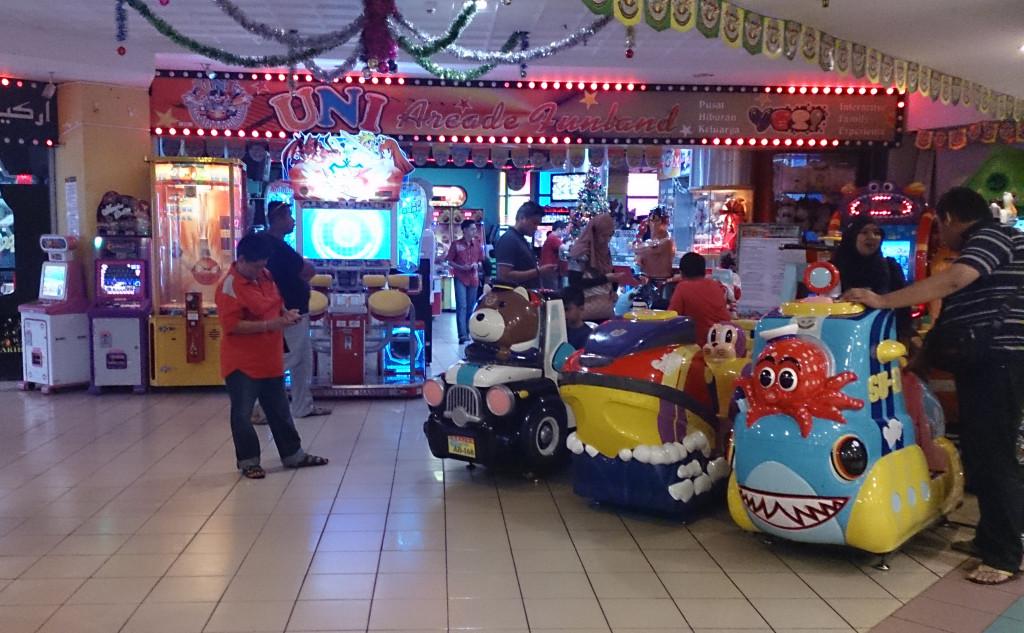汶萊 加東商場 遊戲機中心